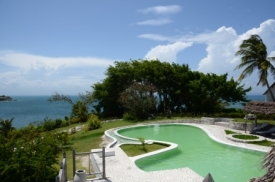 Pool and overview at Port Morgan, Ile a Vache