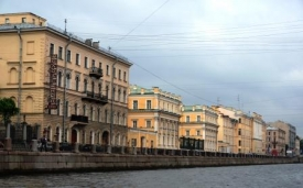 Cruising the canals in St. Petersburg IV