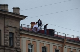Wedding pictures on the roof